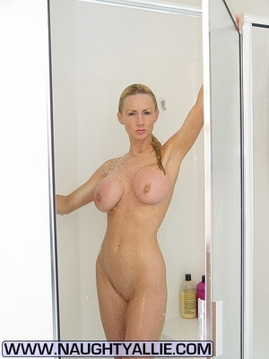 Cheating wife. Wife With 34D Tits Shower - XXX Dessert - Picture 14