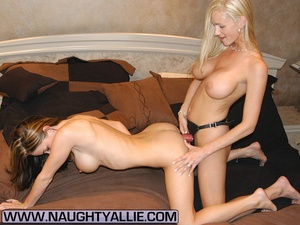 Housewive pussy. Hardcore Naughty Allie  - XXX Dessert - Picture 13