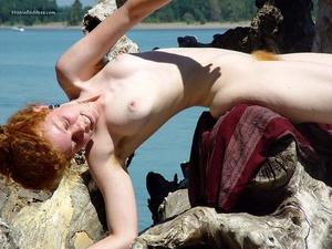 Teen xxx. Naked Redhead Hippie girls sho - Picture 12