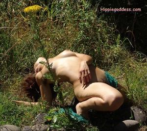 Voyeur sex. Natural Hippie stripping dow - XXX Dessert - Picture 15