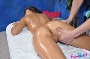 Massage xxx. Gorgeous 18 year old Brunet - XXX Dessert - Picture 7