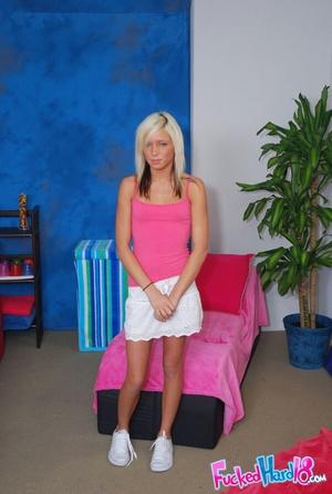 Porn massage. Super cute 18 year old blo - XXX Dessert - Picture 1