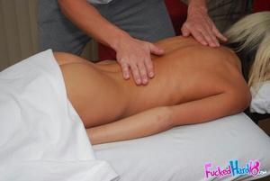 Porn massage. Super cute 18 year old blo - XXX Dessert - Picture 12