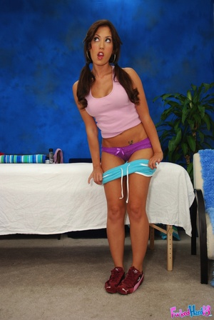 Reality porn. Hot 18 year old brunette g - XXX Dessert - Picture 1