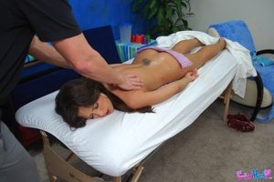 Reality porn. Hot 18 year old brunette g - XXX Dessert - Picture 6