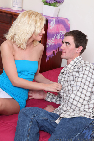Teen porn. Horny teen Justine Taylor get - XXX Dessert - Picture 1
