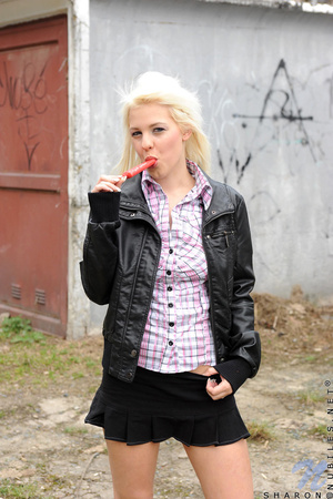 Free teen porn. Blonde teen amateur Shar - XXX Dessert - Picture 1