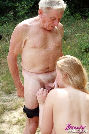 Young old sex. Peeking at enormous breas - XXX Dessert - Picture 9