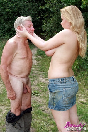 Young old sex. Peeking at enormous breas - XXX Dessert - Picture 10
