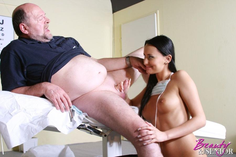 iran big booty woman