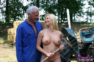Old and young. Busty blonde beauty enjoy - XXX Dessert - Picture 2