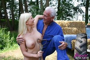 Old and young. Busty blonde beauty enjoy - XXX Dessert - Picture 4