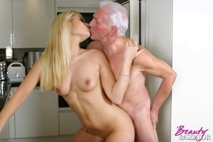 Old men young ladies. Stunning blonde be - XXX Dessert - Picture 3