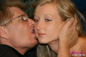 Old men young ladies. Blonde teenage bea - XXX Dessert - Picture 10