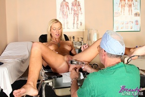 Old & young. Wealthy old doctor fuck - XXX Dessert - Picture 5