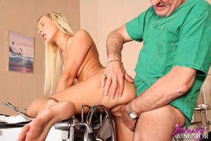 Old & young. Wealthy old doctor fuck - XXX Dessert - Picture 13