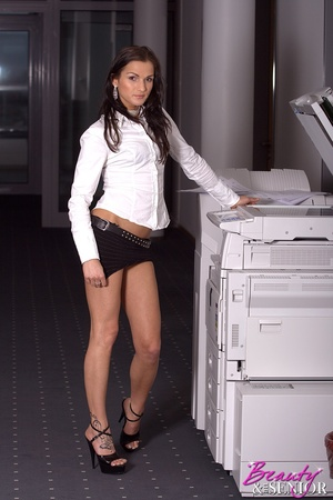 Xxx old young. Stunning office beauty ge - XXX Dessert - Picture 2