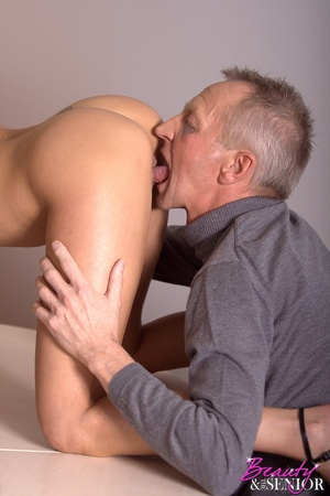 Xxx old young. Stunning office beauty ge - XXX Dessert - Picture 4