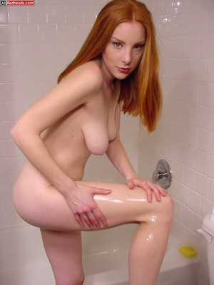 Red head galleries. Redhead with hairy b - XXX Dessert - Picture 1