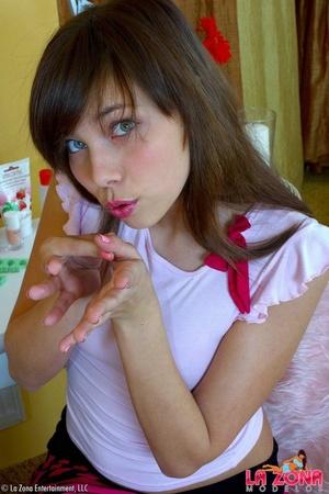 Latinas sexy. Luna pleasures herself wit - XXX Dessert - Picture 4
