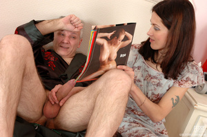 Old & young sex. Slim girl opening h - XXX Dessert - Picture 3