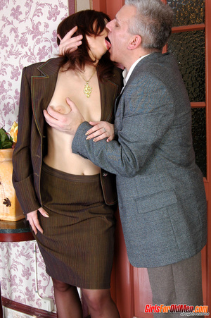 Old & young sex. Pretty office girl  - XXX Dessert - Picture 7
