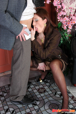 Old & young sex. Pretty office girl  - XXX Dessert - Picture 11