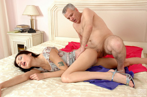Old & young sex. Slim girl opening h - XXX Dessert - Picture 17