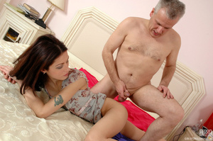 Old & young sex. Slim girl opening h - XXX Dessert - Picture 19