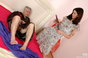 Old & young sex. Slim girl opening h - XXX Dessert - Picture 2