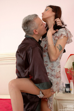 Old & young sex. Slim girl opening h - XXX Dessert - Picture 7