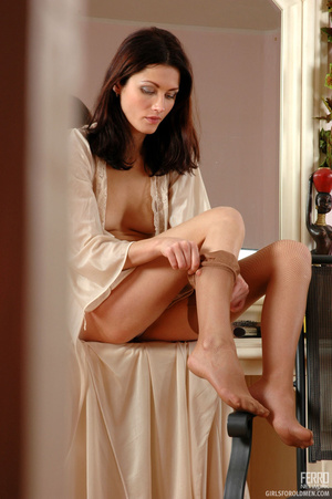 Xxx old young. Leggy girl luring her gre - XXX Dessert - Picture 2