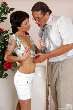 Older man young women sex. Sexy coed pas - XXX Dessert - Picture 4