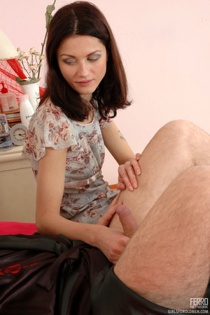 Old man young girl. Slim girl opening he - XXX Dessert - Picture 3