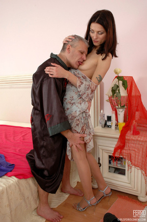 Old man young girl. Slim girl opening he - XXX Dessert - Picture 9