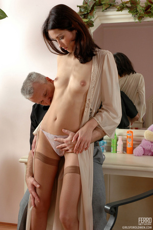 Young old sex. Leggy girl luring her gre - XXX Dessert - Picture 7