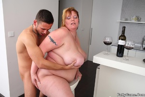 Sexy fat girls. She picks up the young m - XXX Dessert - Picture 13