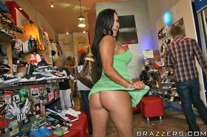 Public sex xxx. Mariah Milano back for s - XXX Dessert - Picture 5