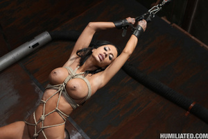Women squirt. Gushing bondage whore fuck - Picture 10