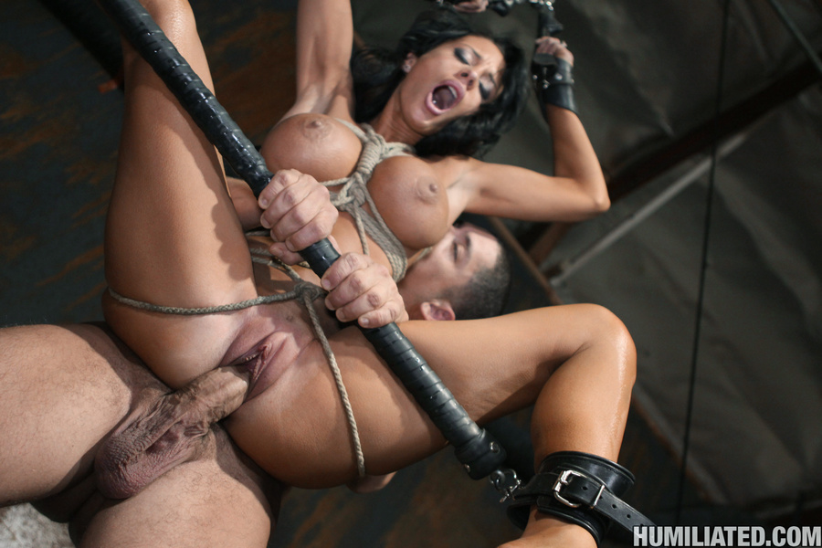 Women squirt. Gushing bondage whore fucked  - XXX Dessert - Picture 12