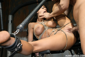 Women squirt. Gushing bondage whore fuck - Picture 13