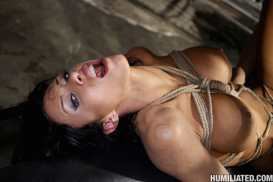 Women squirt. Gushing bondage whore fucked  - XXX Dessert - Picture 14