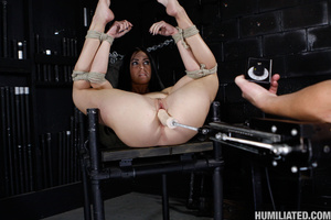 Squirting orgasm. Slut in a suit case wa - Picture 12