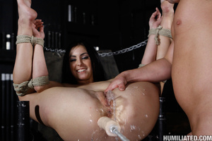 Squirting orgasm. Slut in a suit case wa - Picture 14