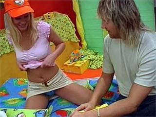teen girls blonde teenage