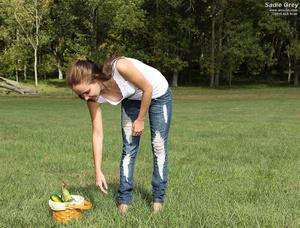 Sadie Grey Inserts Vegetables on Lonely  - XXX Dessert - Picture 2