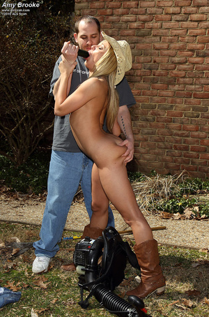 Amy Brooke Spreads Shaved Pussy on the B - XXX Dessert - Picture 12