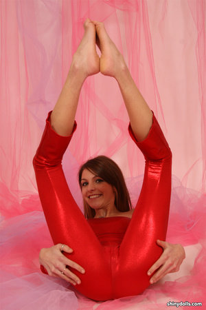 Seductive young teen in red spandex body - XXX Dessert - Picture 5
