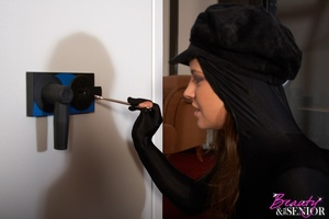 A gorgeous teen burglar shagging the hom - XXX Dessert - Picture 1