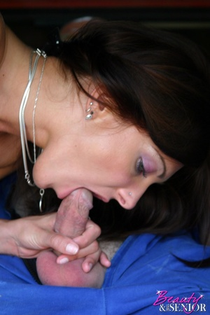 Teenage beauty sucking of an old senior  - XXX Dessert - Picture 10